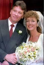 Anne marries co-star David Beckett